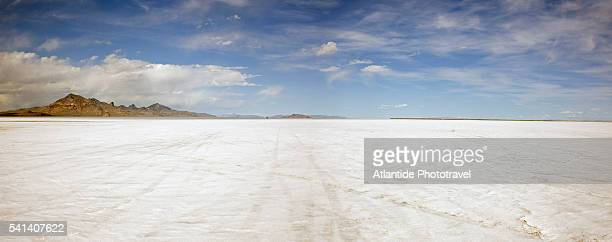 bonneville salt flats - bonneville salt flats stock photos and pictures