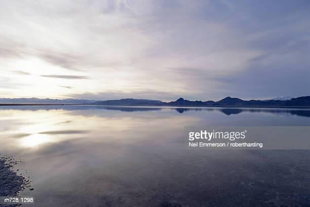 bonneville salt flats, salt lake city, utah, usa - bonneville salt flats stock pictures, royalty-free photos & images