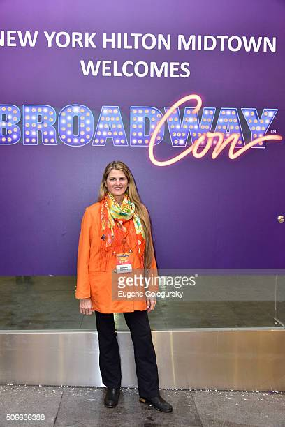 Bonnie Comley attends BroadwayCon: All The World's A Stage, With Panelists Bonnie Comley, Leah Lane, Randy Weiner, Anita Durst, Kevin Hayes at New...