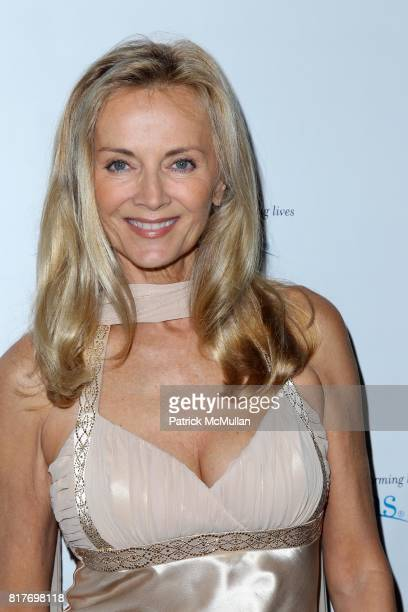 Bonnie Pfeiffer Evans attends Broadway Salutes ARTS HORIZONS Annual Gala at The Edison Ballroom on October 25 2010 in New York City