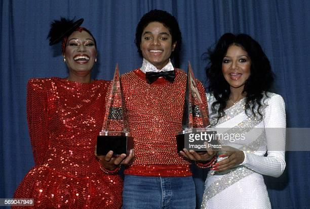 Bonnie Pointer Michael Jackson and LaToya Jackson at the American Music Awards circa 1981 in Los Angeles California tt