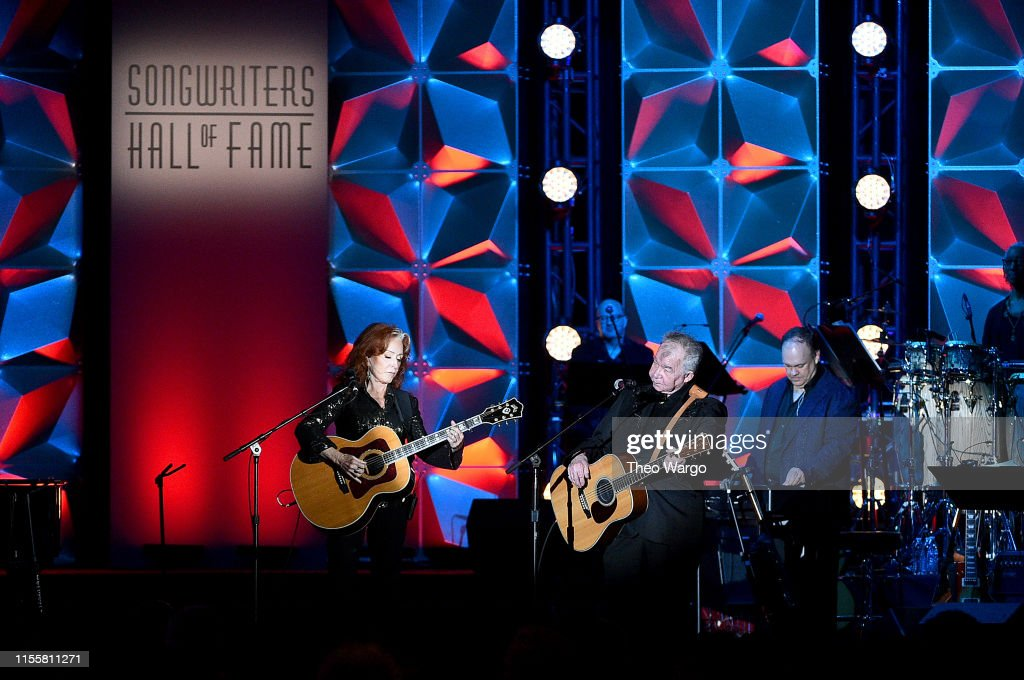 Songwriters Hall Of Fame 50th Annual Induction And Awards Dinner - Show : News Photo