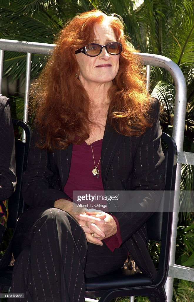 Bonnie Raitt Honored With Star on the Hollywood Walk of Fame