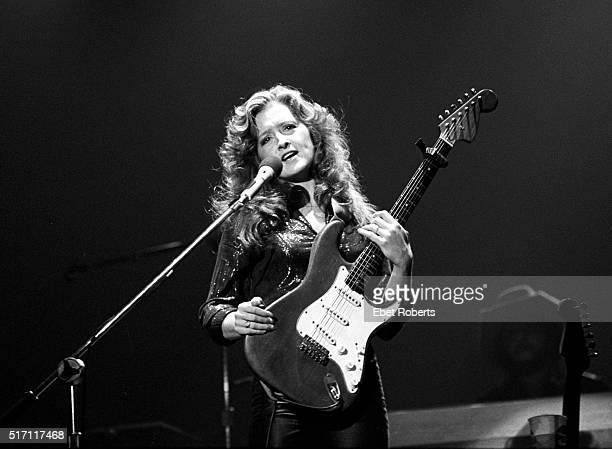 Bonnie Raitt performing in Memphis Tennessee on December 27 1980
