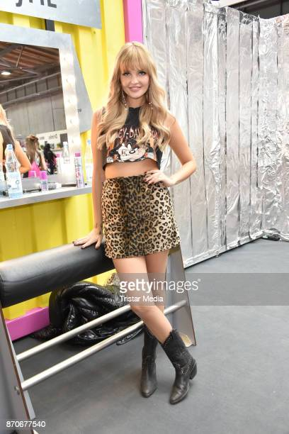 Bonnie Strange attends the GLOW The Beauty Convention at Station on November 5 2017 in Berlin Germany