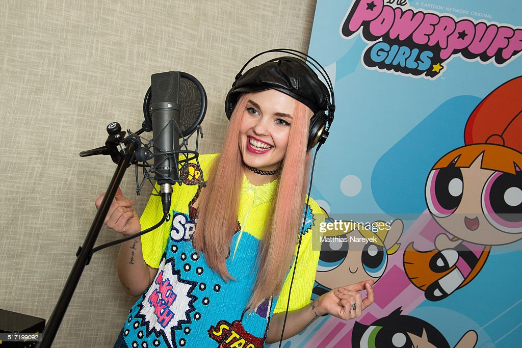 Bonnie Strange Records Theme Song For Cartoon Network Animation Series : News Photo