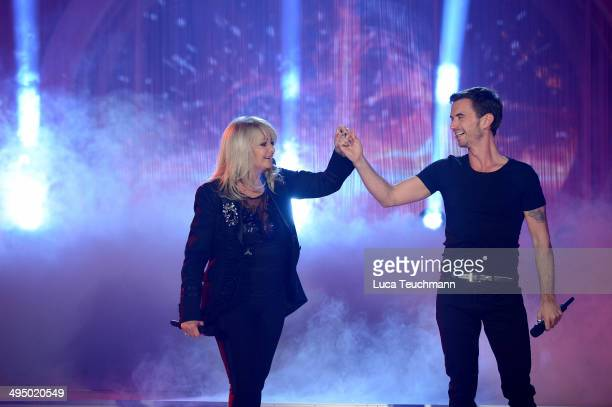 Bonnie Tyler and Florian Silbereisen perform 'Das Sommerfest am See' TVShow on May 31 2014 in Erfurt Germany
