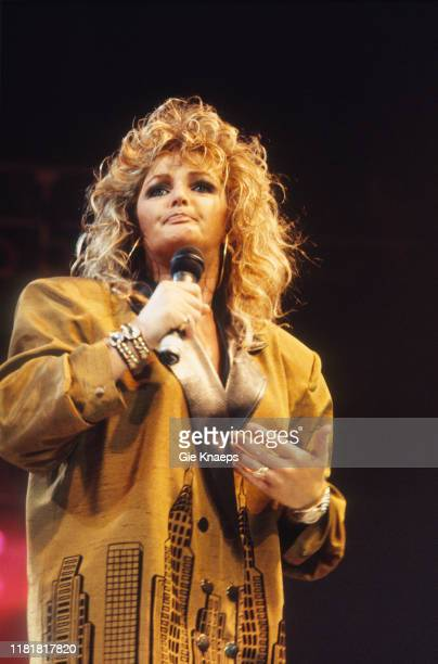 Bonnie Tyler Diamond Awards Festival Sportpaleis Antwerp Belgium 28th November 1987