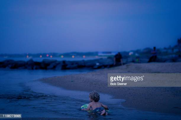 boogie until the sun goes down - east hampton stock pictures, royalty-free photos & images