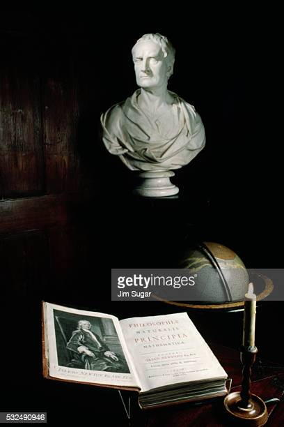 Sir Isaac Newton Stock Photos and Pictures | Getty Images