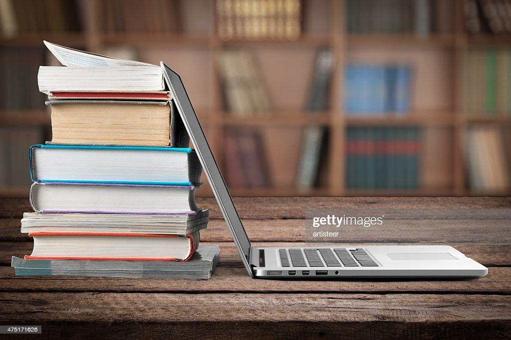 Book, Education, Laptop : Bildbanksbilder