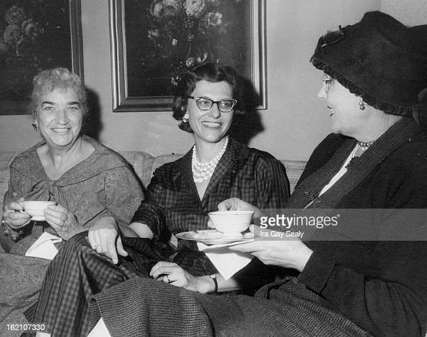 OCT 20 1959 OCT 21 1959 Book Fair Planners Chatting with Mrs H Wallace Steinmetz chairman of the St Mary's Academy Nov 45 book fair are Mrs Lenora...