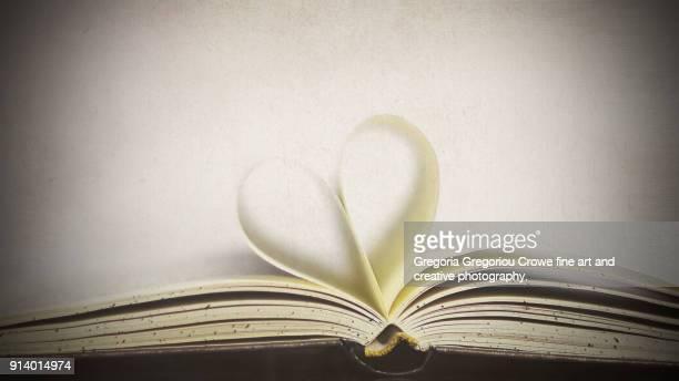 book heart - gregoria gregoriou crowe fine art and creative photography. photos et images de collection