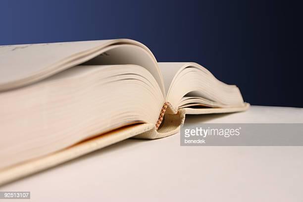 buchen sie - enzyklopädie stock-fotos und bilder