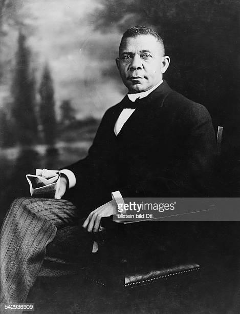 Booker T Washington*18561915Pädagoge Lehrer Publizist USAPorträt undatiert