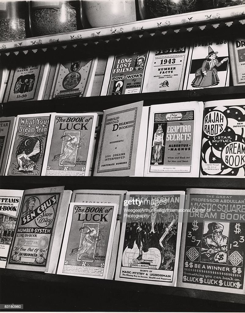 Black Magic Store : News Photo