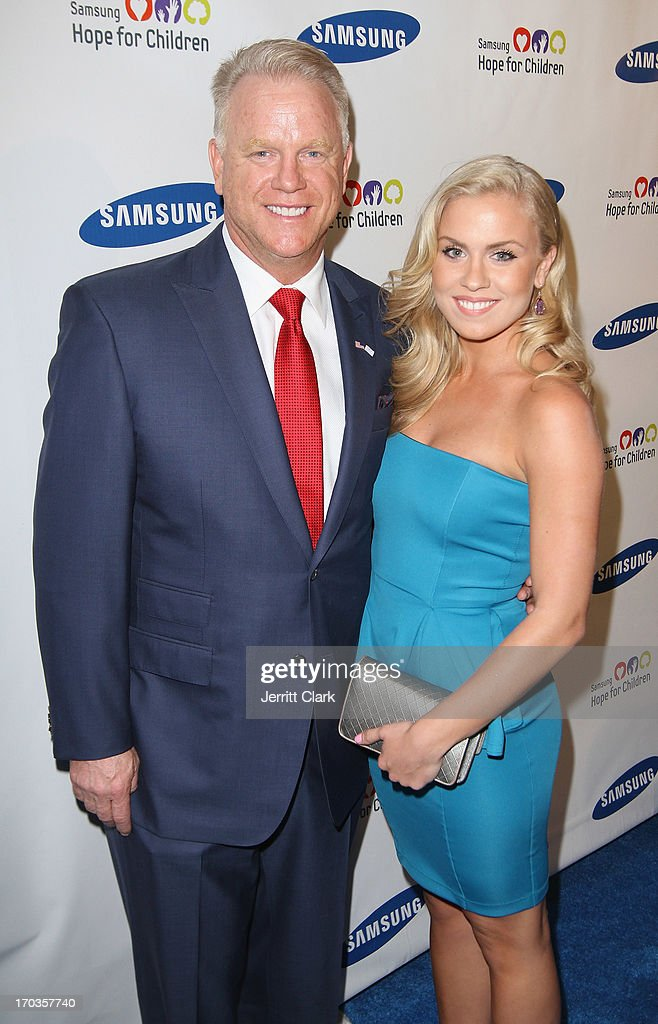 Boomer Esiason and daughter Sydney attend Samsung Hope For Children 12th Annual Gala at Cipriani Wall Street on June 11, 2013 in New York City.