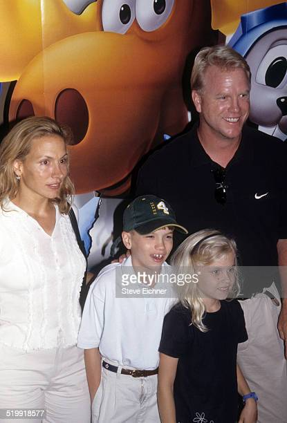 Boomer Esiason and family at premiere of 'Rocky and Bullwinkle' New York June 26 2000