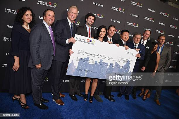 Boomer Esiason Demi Lovato Rob Thomas President and CEO for Samsung Electronics North America Gregory Lee Tony Bennett President and COO for Samsung...