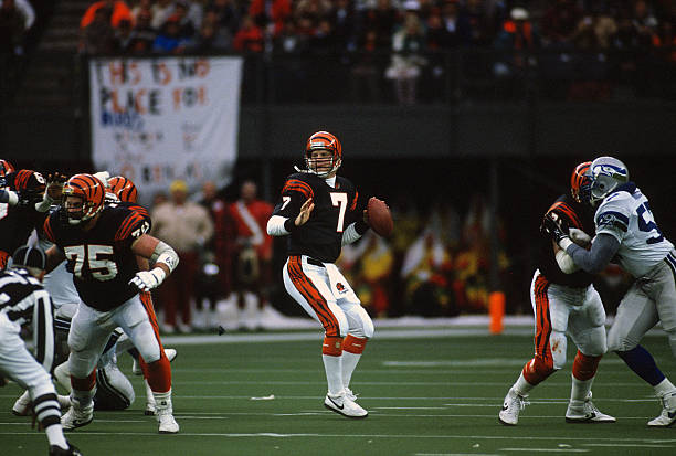 https://media.gettyimages.com/photos/boomer-esiason-of-the-cincinnati-bengals-drops-back-to-pass-against-picture-id640054444?k=6&m=640054444&s=612x612&w=0&h=ZIvtIqu2RsKVSO3Nnn4VfnFImHW9GLZpl0ZYZGTZRH4=