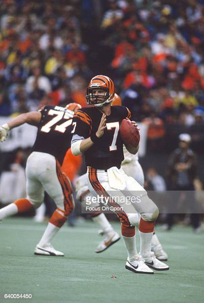 Boomer Esiason of the Cincinnati Bengals drops back to pass against the Cleveland Browns during an NFL football game September 25 1988 at Riverfront...