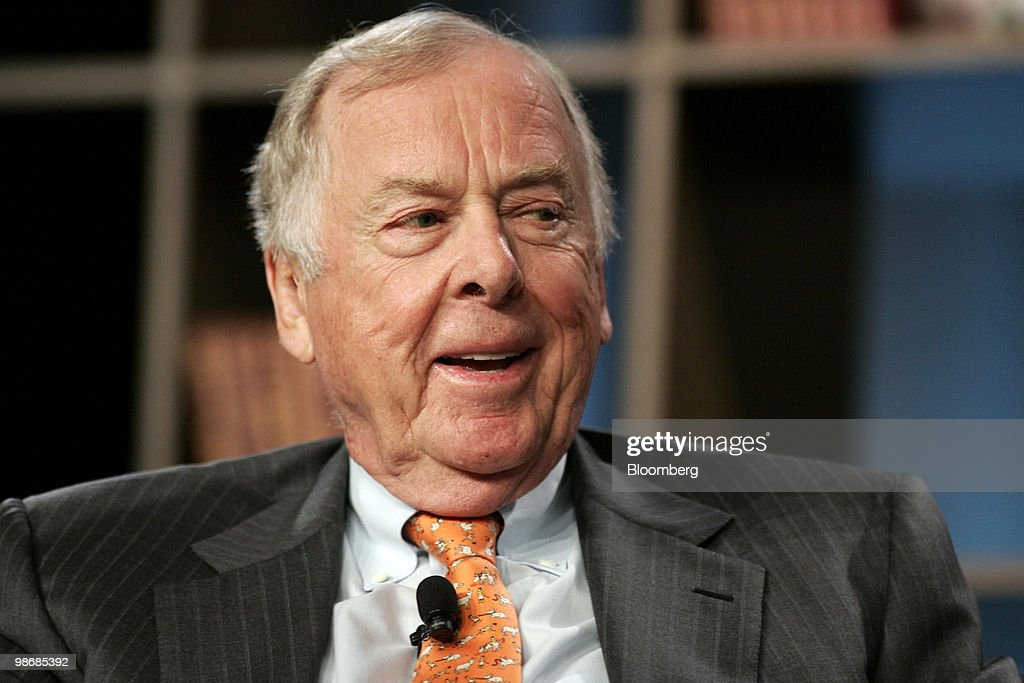 T. Boone Pickens, chairman of BP Capital LLC, speaks during the 2010 Milken Institute Global Conference in Los Angeles, California, U.S., on Monday, April 26, 2010. This year's conference is titled 'Shaping the Future' and runs until April 28. Photographer: Jonathan Alcorn/Bloomberg via Getty Images