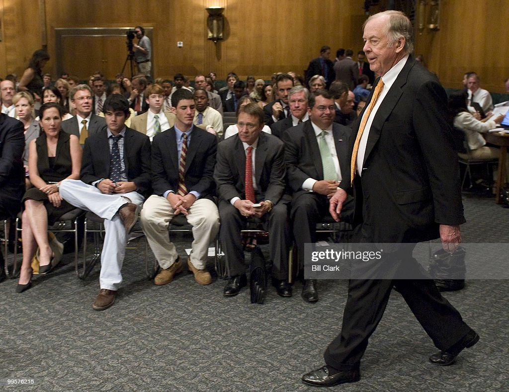T. Boone Pickens, founder and CEO of BP Capital Management, arrives for the Senate Homeland Security and Governmental Affairs Committee hearing on 'Energy Security: An American Imperative,' on Tuesday, July 22, 2008.