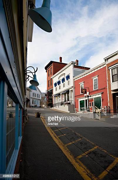 boothbay harbor der historischen innenstadt, maine - boothbay harbor stock-fotos und bilder