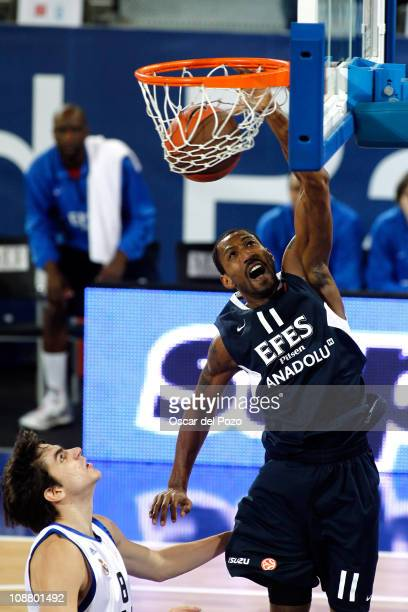 Bootsy Thornton #11 of Efes Pilsen Istanbul in action during the 20102011 Turkish Airlines Euroleague Top 16 Date 3 game between Real Madrid vs Efes...