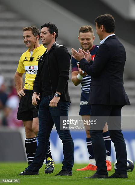 Bordeaux France 16 October 2016 Golfer Rory McIlroy in the company of referee JP Doyle Ian Madigan of BordeauxBégles and BordeauxBégles President...