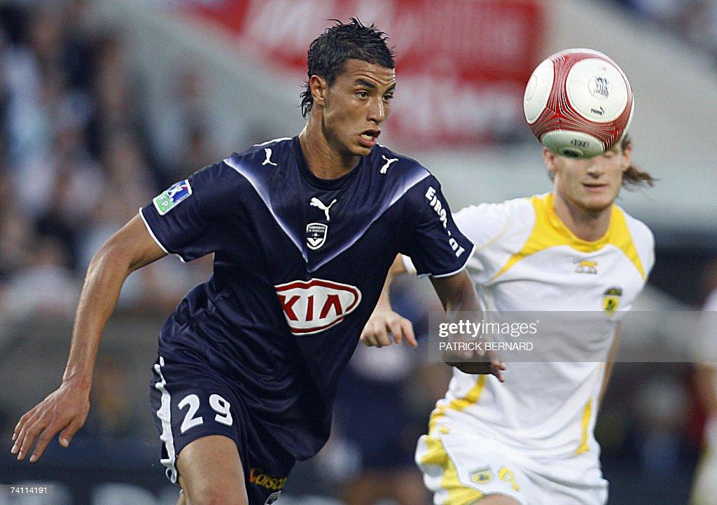 Bordeaux's midfielder Marouane Chamakh (... : News Photo