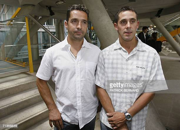 French former professional cyclists Laurent Roux and his brother Fabien are pictured 03 July 2006 in Bordeaux southwest France courthouse after the...