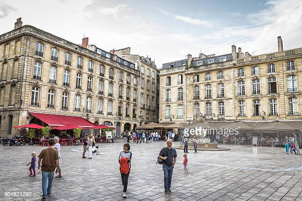 place du parlement de bordeaux - pjphoto69 fotografías e imágenes de stock
