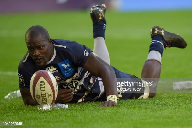 BordeauxBegles' French flanker Mahamadou Diaby scores a try during the French Top 14 rugby union match between BordeauxBegles and La Rochelle on...