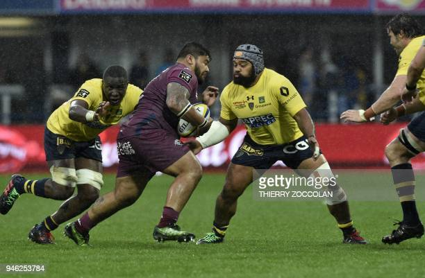 BordeauxBegles' French prop Sebastien Taofifenua runs with the ball during the French Top 14 rugby union match between Clermont and BordeauxBegles at...