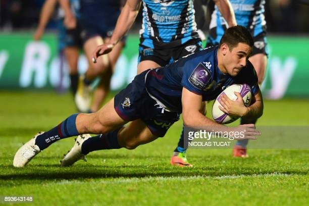 BordeauxBegles' French winger Iban Etcheverry dives to score a try during the European Challenge Cup rugby match between BordeauxBegles and Yenisei...