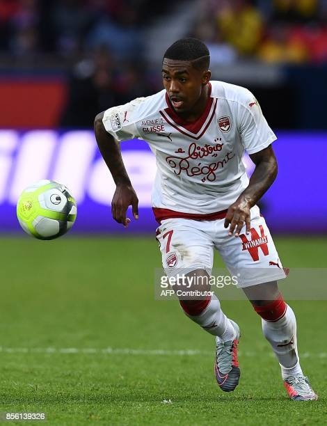 Bordeaux's Brazilian forward Malcom controls the ball during the French Ligue 1 football match between Paris SaintGermain and Bordeaux at the Parc...