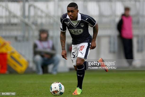 Bordeaux's Brazilian forward Malcom Filipe Silva de Oliveira controls the ball during the French L1 football match between Bordeaux and Guingamp on...