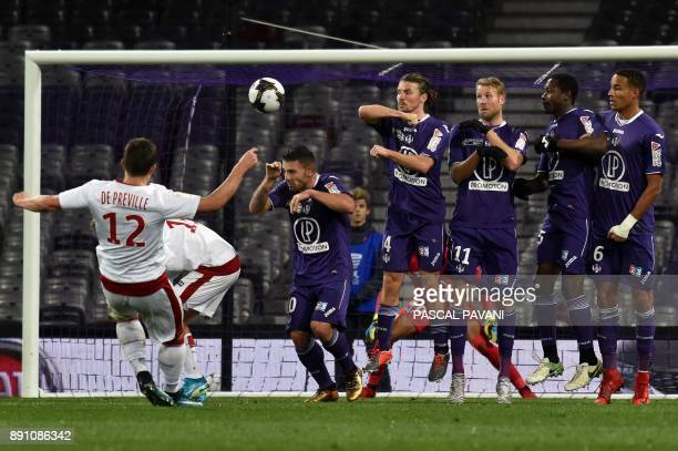 Bordeaux's French forward Nicolas De Preville shoots a free kick during the French League Cup round of 16 football match between Toulouse and...