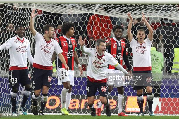 Bordeaux's French midfielder Jeremy Toulalan reacts during the French L1 football match Nice vs Bordeaux on December 17 2017 at the 'Allianz Riviera'...