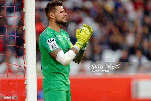 Bordeaux's goalkeeper Benoit Costil gestures during the Ligue 1 match between Lille and Bordeaux at Stade Pierre Mauroy on October 26 2019 in Lille...
