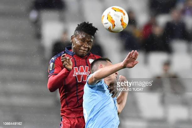 Bordeaux's Nigerian forward Samuel Kalu vies with Prague's midfielder Jan Matousek during the Europa league football match of Group C between...