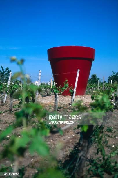 vignoble château d'Arsac 'Margaux' 'le pot rouge' de JP RAYNAUD Bordelais vignoble château d'Arsac 'Margaux' 'le pot rouge' de JP RAYNAUD