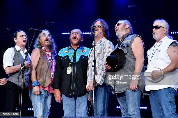 B Borden Pat Elwood Doug Gray Marcus James Henderson Chris Hicks and Rick Willis from muscial group Marshall Tucker Band performs onstage during 2016...
