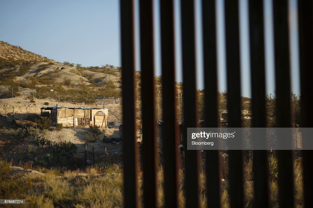 Fotos Und Bilder Von The U.S.-Mexico Border As Bad Nafta Outcome