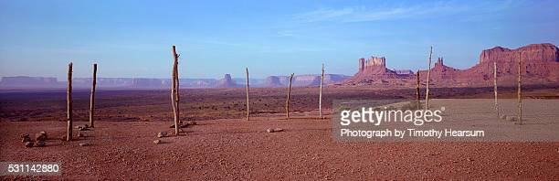 border of utah and arizona - timothy hearsum stock photos and pictures