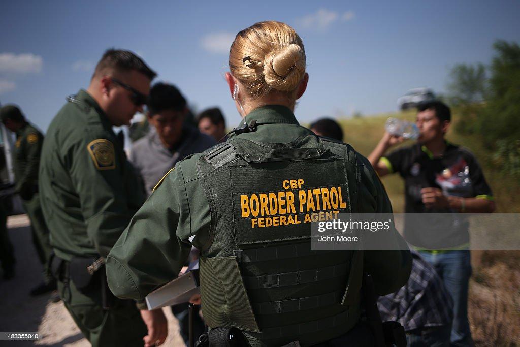 Customs And Border Protection Agents Patrol Near U.S.-Mexico Border : News Photo