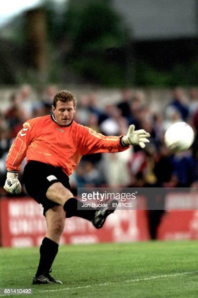 Boreham Wood goalkeeper Andy Goram takes a goal kick