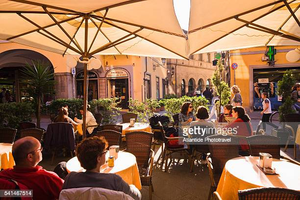 Borgo Largo (Guglielmo Oberdan street), people at Lo Sfizio Cafè Bar