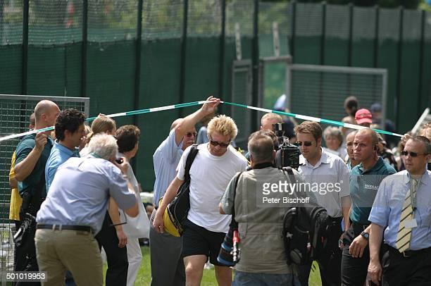 Boris Becker Gerry Weber Stadion Halle Deutschland PNr894/2006 Publikum Fotograf KameraMann Promi NM Foto PBischoff/CD Veröffentlichung nur gegen...